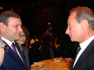 Margaryan met with Mayor of Paris Bertrand Delanoe