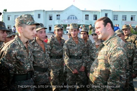 The Mayor of Yerevan visited the fixed period service men from Yerevan