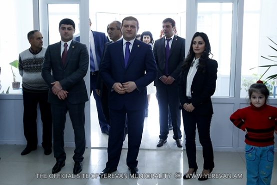 Mayor Taron Margaryan visited the music school after Al. Ajemyan