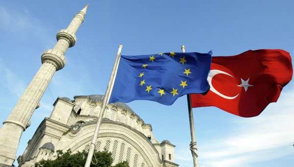 Европарламент приостановил работу над безвизовым досье для Турции