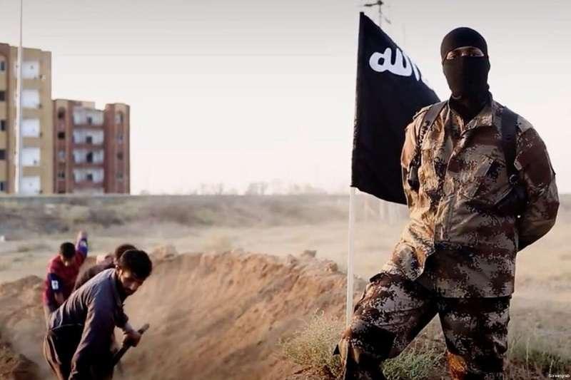 Боевики в Ираке заживо похоронили десятки человек за дезертирство