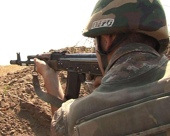 ВС Азербайджана ночью обстреляли карабахские позиции из минометов и гранатометов – Минобороны НКР