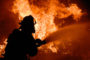 Դեպքի վայր է մեկնել նաև նախարարը. Հրշեջները Երևանում շարունակում են կրակի դեմ պայքարը