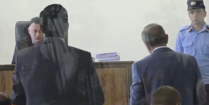 Արցախի 2 նախագահները համաձայնել են դատարան գալ մայիսի 17–ին. դատավորը Քոչարյանի կալանքի ժամկետի խնդիր է տեսնում