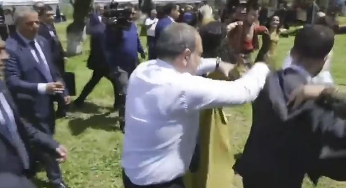 Տեսանյութ.Նիկոլ Փաշինյանը Շուշիում միացել է շուրջպարին