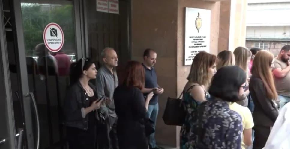 Ինչ է այժմ կատարվում. Արթուր Դանիելյանին ձերբակալել են. ուղիղ միացում ոստիկանությունից