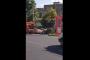 Ինչպես է Երևանում աղբահավաք մեքենան կանգնում աղբամանի մոտ, ապա առանց աղբը տեղափոխելու հեռանում /տեսանյութ/