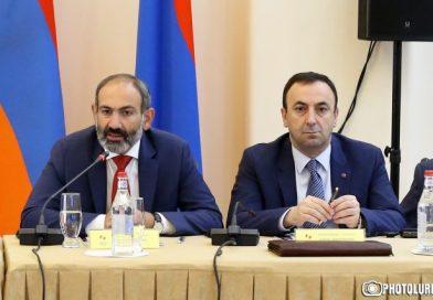 Հրայր Թովմասյանը դատի է տվել Նիկոլ Փաշինյանին