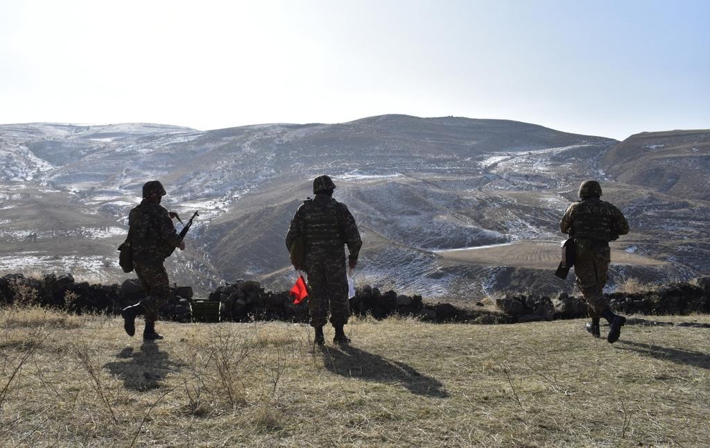 фото азербайджанских головорезов в карабахе фотографию фотошоп