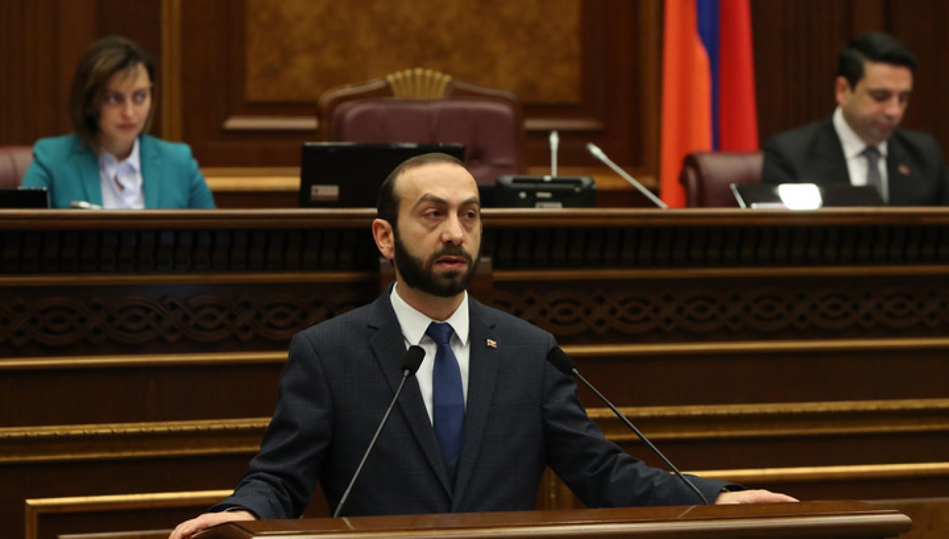 Հարգելի  ՌԴ հատուկ ծառայություններ, մի քիչ զարգացրեք ձեր գործելաոճը,21-րդ դարն ա արդեն. Միրզոյանը ծաղրել է հայ փորձագետներին և ՌԴ հատուկ ծառայություններին