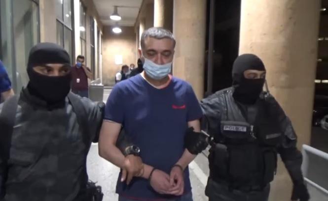 Ինչպես է նախկին պատգամավոր Լևոն Սարգսյանը տեղափոխվում Հայաստան. Ոստիկանության տեսանյութը
