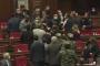 Ազգային ժողովում կրքերը թեժացան. Անվտանգության աշխատակիցները մտան դահլիճ