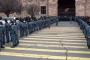 Նիկոլ Փաշինյանի համար հատուկ միջանցք են բացել բեմահարթակ հասնելու համար
