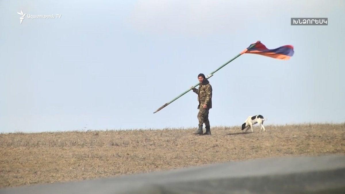 Տեսանյութ.Խնձորեսկցիներն ասում են, որ ադրբեջանցիներն, իրենց GPS-ը գրկած, էլի մի քանի տասնյակ մետր առաջ են եկել