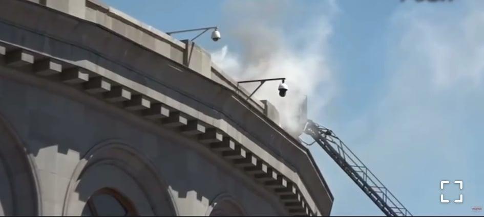 Տեսանյութ.Ինչ է կատարվում Օպերայի և բալետի պետական ակադեմիական թատրոնի շենքում