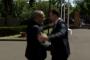 Նիկոլ Փաշինյանն առանց դիմակ է դիմավորել Վրաստանի վարչապետին ու գրկախառնվել նրա հետ /տեսանյութ/